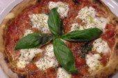 Mani in pasta - RICETTA PIZZA NAPOLETANA