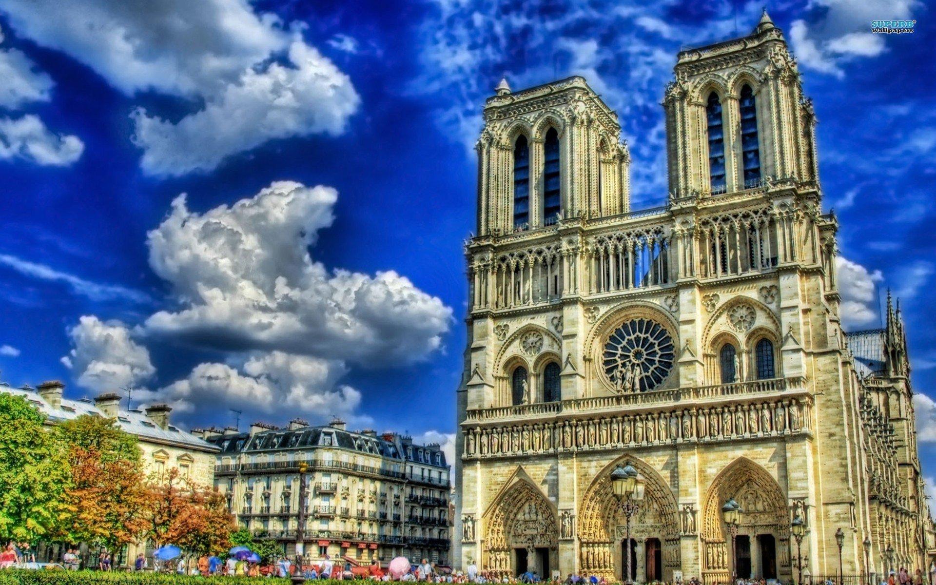 Notre Dame de Paris - Recensione